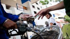 Giá xăng Việt Nam rất đắt đỏ so với thế giới