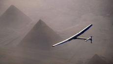 Máy bay năng lượng mặt trời hoàn hành chuyến bay lịch sử quanh Trái đất