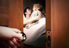 Hết ngoại tình đồng nghiệp, vợ còn tằng tịu với sếp