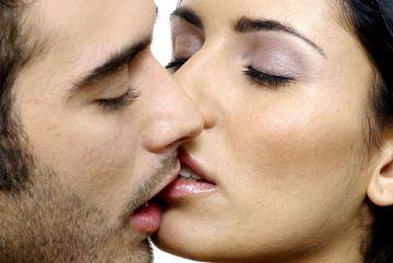 Tác dụng kỳ diệu của nụ hôn
