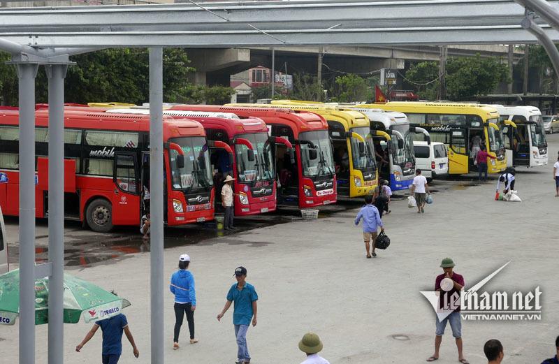 Bùi ngùi tiễn chuyến xe cuối rời bến Lương Yên