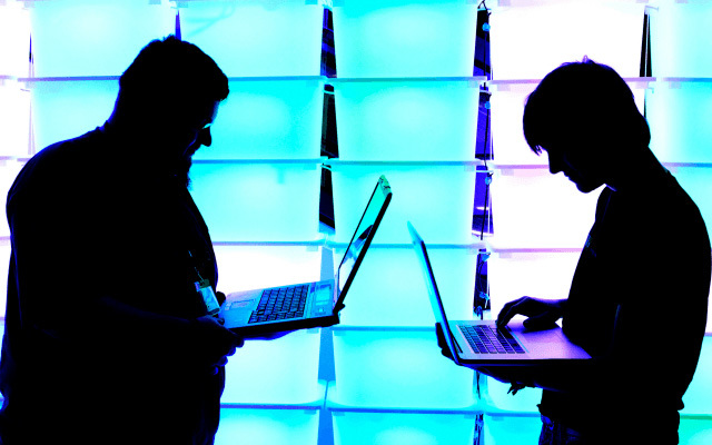 hacker, đánh cắp mật khẩu, bàn phím không dây