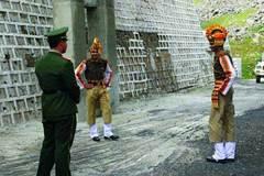Ấn Độ tố Trung Quốc xâm phạm lãnh thổ