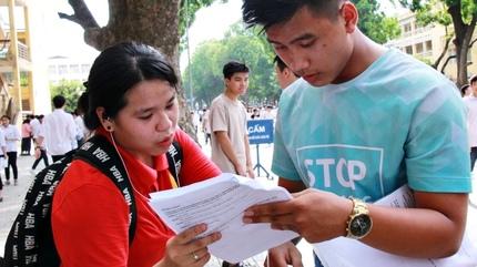 Các đại học đồng loạt công bố điểm xét tuyển