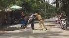 Đánh CSGT, 2 thanh niên bị bắt giam