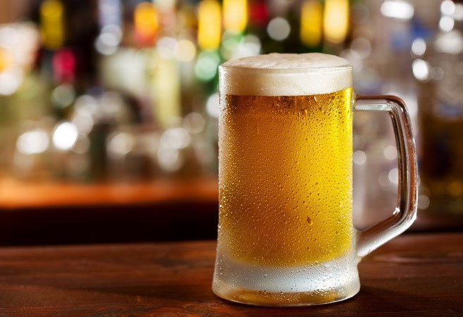 nước tiểu thành... bia, bia hơi, phát minh, sáng chế, tiến sĩ, nông dân, dân nhậu, bàn nhậu, giải khát
