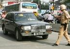 Ô tô lạng lách, 'đánh võng' bị phạt tới 20 triệu