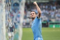Lampard lập cú hat-trick để đời trên đất Mỹ