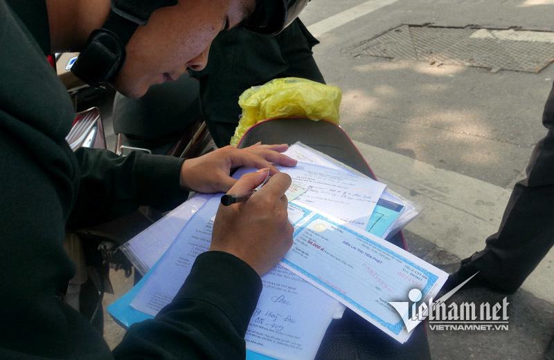 cảnh sát cơ động, CSCĐ ra quân, CSCĐ xử lý không mũ bảo hiểm