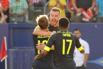 """Arsenal thắng """"3 sao"""" trên đất Mỹ"""