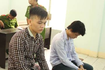 Kháng nghị giảm án cho 2 thanh niên vụ cướp bánh mì