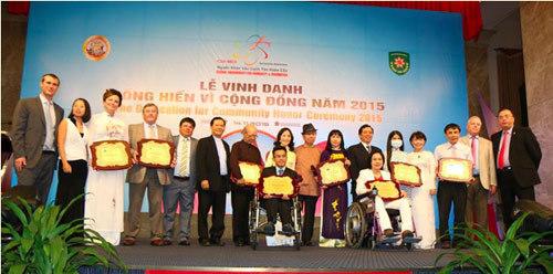 Giáo sư Việt 82 tuổi giữ nhiều kỉ lục đáng kinh ngạc