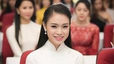 """Soi người đẹp có thành tích học tập siêu """"khủng"""" của Hoa hậu Việt Nam 2016"""