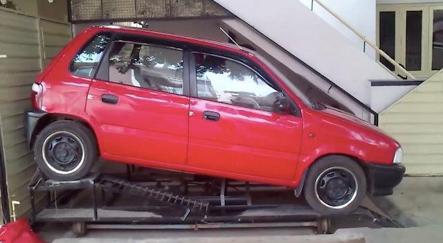 chỗ xe, chỗ đỗ xe, đỗ xe dưới gầm cầu thang, biến gầm cầu thành thành chỗ đỗ xe