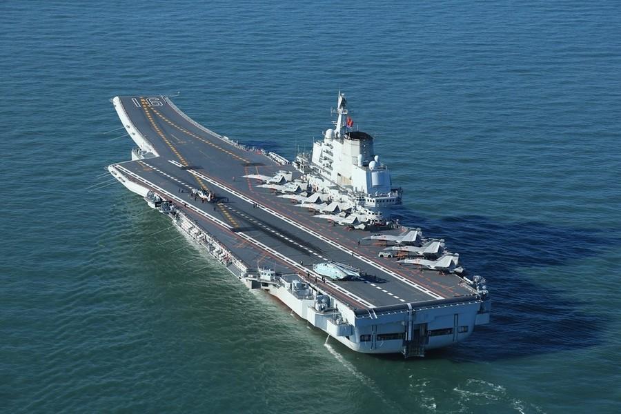 TQ lần đầu 'khoe' tàu sân bay khủng