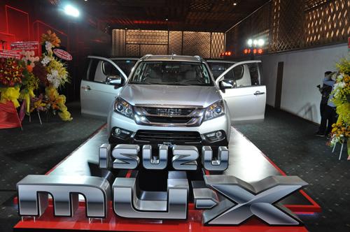 ISUZU mu-X ra mắt tại Việt Nam