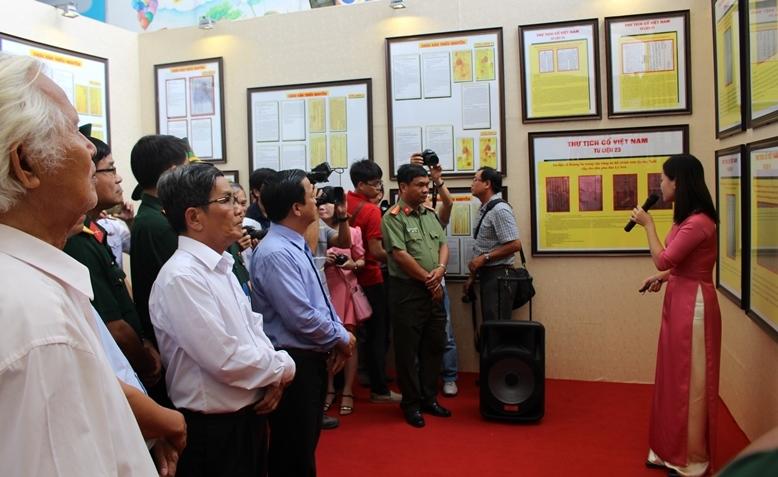 """Triển lãm bằng chứng chủ quyền """"Hoàng Sa-Trường Sa"""" ở Bình Định"""