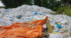 Bộ Y tế yêu cầu báo cáo khẩn vụ núi rác thải khổng lồ