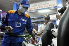 Giá xăng hôm nay: Tiếp tục giảm mạnh