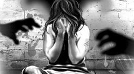 Cô giáo 19 tuổi bị hiếp dâm tập thể trên đường tới trường