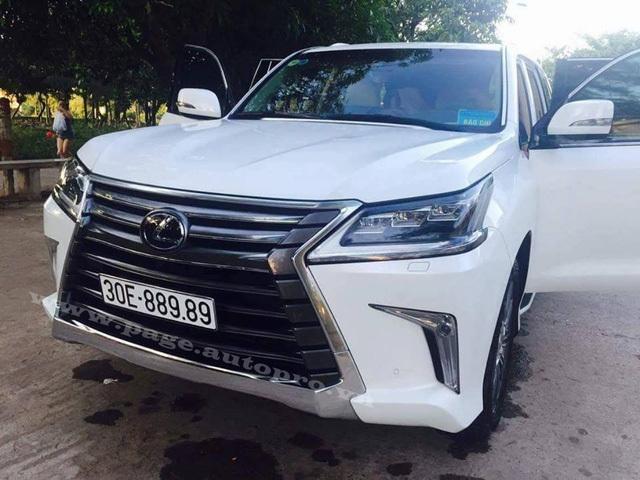 Những chiếc Lexus LX570 2016 biển 'khủng' của các đại gia Việt