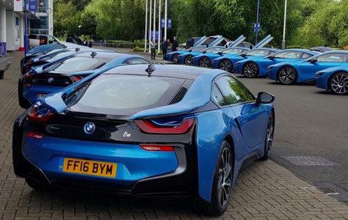 Ông chủ người Thái mua 19 siêu xe tặng sao Leicester