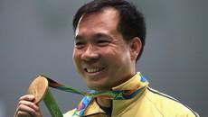 Xạ thủ Hoàng Xuân Vinh được Bộ trưởng thưởng nóng