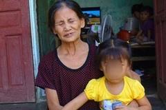 Lời bi bô ám ảnh của bé 8 tháng tuổi mất cả gia đình vì tai nạn