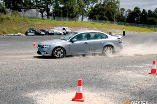 20160808085004 lai xe an toan1 4 kỹ thuật lái xe hơi an toàn nhất định phải nhớ