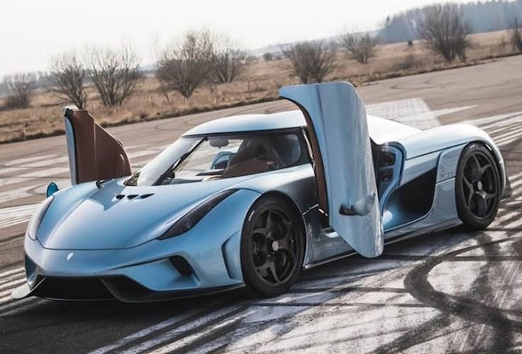 20160808085811 cua sieu xe1 Những thiết kế cửa xe cực dị nhất thế giới