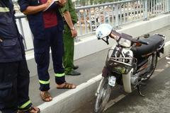 Bỏ lại xe máy, thanh niên nhảy sông Sài Gòn tự vẫn