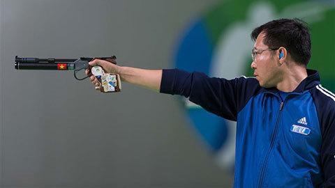 Chuyện ít biết về thị lực xạ thủ Hoàng Xuân Vinh
