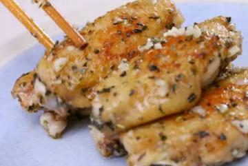 """Cánh gà chiên tỏi: Món ngon cho bữa tối """"bay cơm""""!"""