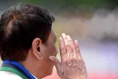 Bí ẩn hình xăm trên tay Tổng thống Philippines