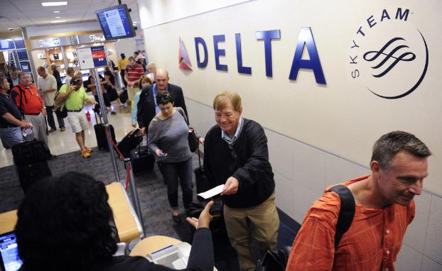 Hàng không Mỹ hoãn toàn bộ chuyến bay vì sập hệ thống