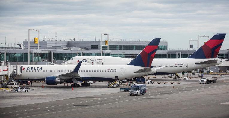 Delta Airlines trầy trật khắc phục sự cố sập hệ thống