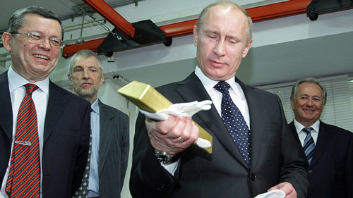 Putin âm thầm mua vàng ròng: Không thể xem thường