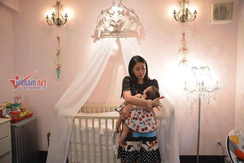 Hotface, Hoa hậu Hà Kiều Anh, đại gia, chân dài,