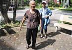 Cụ bà 70 tuổi vượt hơn 80 km cổ vũ cháu thi năng khiếu báo chí