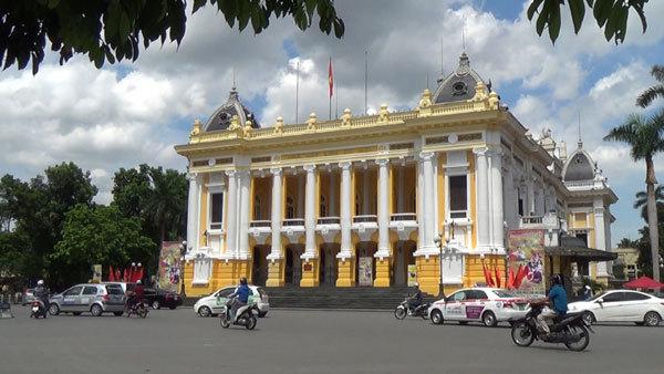 Đại gia Việt thích 'chém gió' hơn đi nhà hát, bảo tàng?