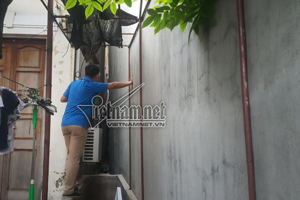 Thêm nhà nghiêng ở HN: Hàng xóm sợ thình lình sập xuống