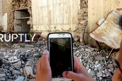 Clip cả thế giới nín lặng, xem trẻ em Syria bắt Pokemon