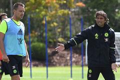 """Conte và bài toán """"quyền lực đen"""" ở Stamford Bridge"""