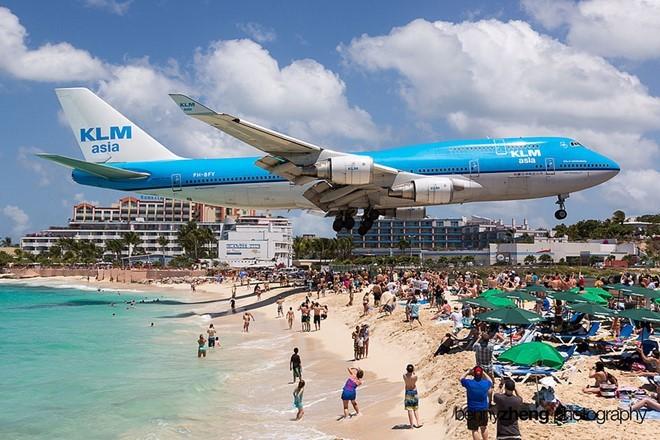 máy bay sượt qua đầu, du khách, du lịch, nước mỹ, bãi biển