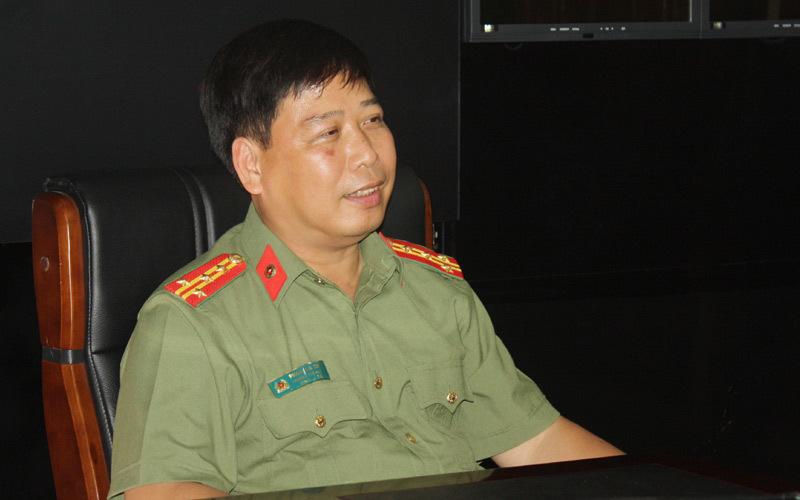 Đại tá Phạm Gia Chiến, Chánh văn phòng Công an tỉnh Lào Cai trao đổi về tình hình gây xôn xao dư luận trên địa bàn