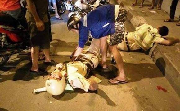 Chi tiết vụ 2 CSGT bị cướp đạp ngã xe, gây thương tích