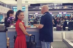 Thu Minh tiễn chồng đi nước ngoài giữa scandal nợ