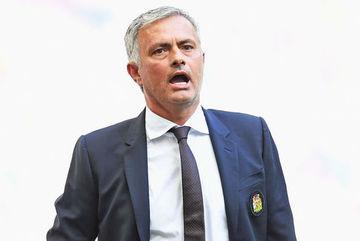 """Sếp MU ép Mourinho phải thanh lý """"hàng tồn"""""""