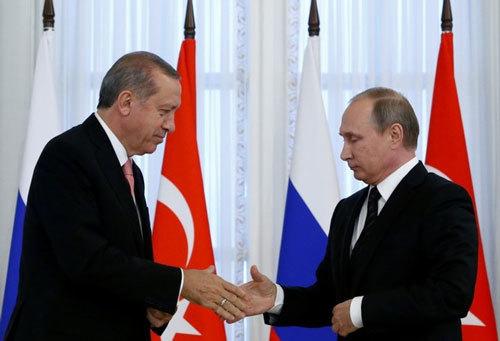 Putin đầu cơ vàng, cả thế giới e ngại