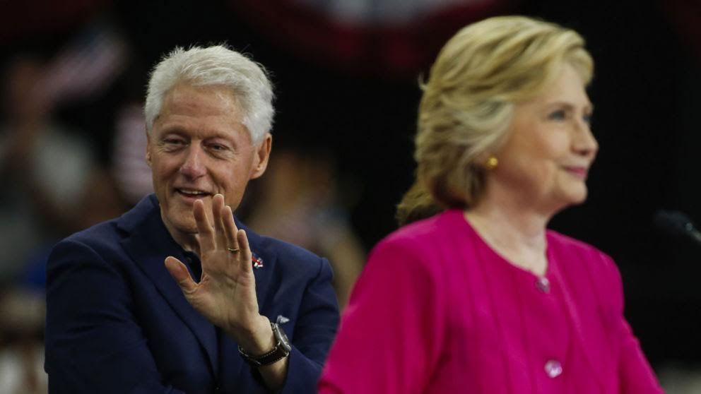 Bill Clinton thừa nhận vợ ông 'sai lầm'